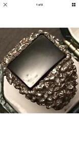 Vintage sterling silver onyx ring, bark style, fully hallmarked