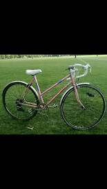 RETRO LOOKING PINK WOMAN'S CITY RACER