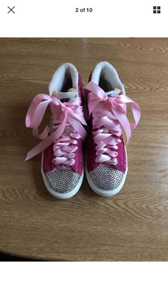 Various womens clothesin Orpington, LondonGumtree - Good condition track suits 3 for 20.00 or 10 each size 12 ... Trainers good condition. 4.5 15