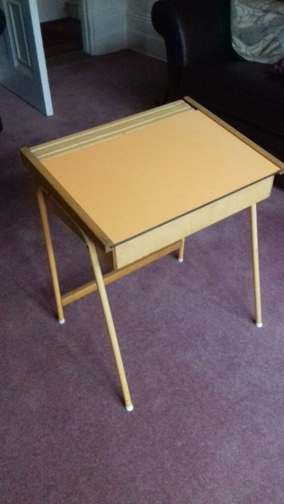 Fabulous Childs Desk Suitable For 4 To 8 Year Olds In Southsea Hampshire Gumtree Download Free Architecture Designs Terchretrmadebymaigaardcom