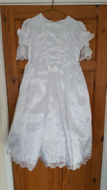 Holy Communion Dress & Veil - Good Condition - Suit Around 7 Year-Old