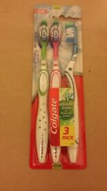 Colgate 3-pack Maximum whiten teeth remove stains RRP £5