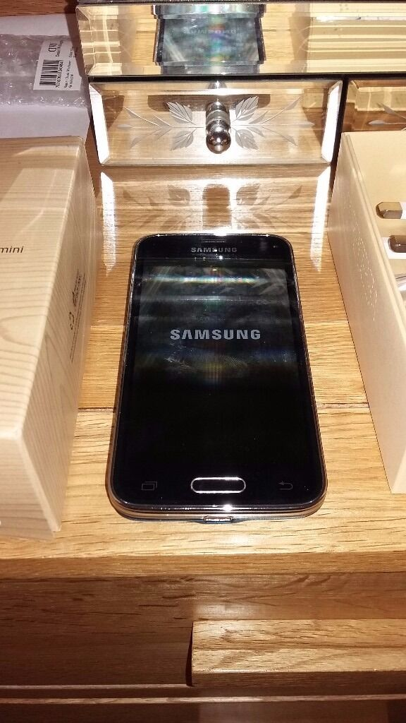 Samsung Galaxy S5 miniin Markfield, LeicestershireGumtree - Samsung Galaxy S5 mini Electric blue Immaculate condition and as new as always been in leather case also included No scratches Reset to factory settings Includes Ear phones/charger/box Ideal Christmas gift