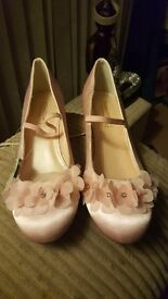 size 4 pale pink occasion shoes
