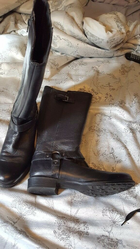 ladies boots size 8