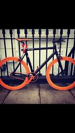 Immaculate alluminium bicycle - black and orange
