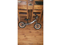 Ridgeback scoot balance bike boys or girls kids