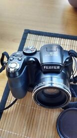 Fujifilm FinePix S1800 12.2 MP Digital Camera + Case + 8GB SD Card