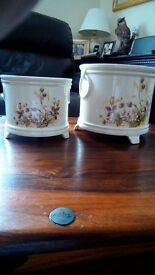 A lovely collection of plant pot holders & some saucers in good clean condition collection only