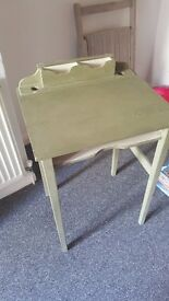 Charming painted wooden desk for writing or laptop. Pea green. Perfect for a small space. £10