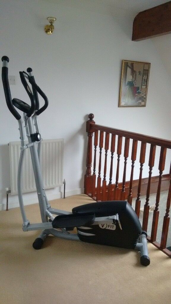 V-fit Paris Magnetic Cross Trainer with battery operated data monitor