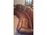 ** Great Condition ** 4 peice brownish red leather sofa suite with 2 recliners (GREAT QUALITY)