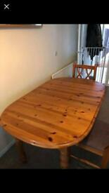 Extendable dining table.