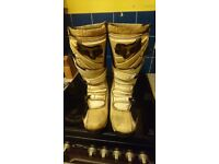Motorcross boots/armour/gloves/goggles/fork seal saver