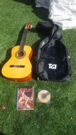 Falcon FL34 3/4 Size Classic Guitar - Natural excellent condition plus case