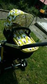 Cosatto tweet tweet 3 in 1 baby system pushchair carrycot and chassis