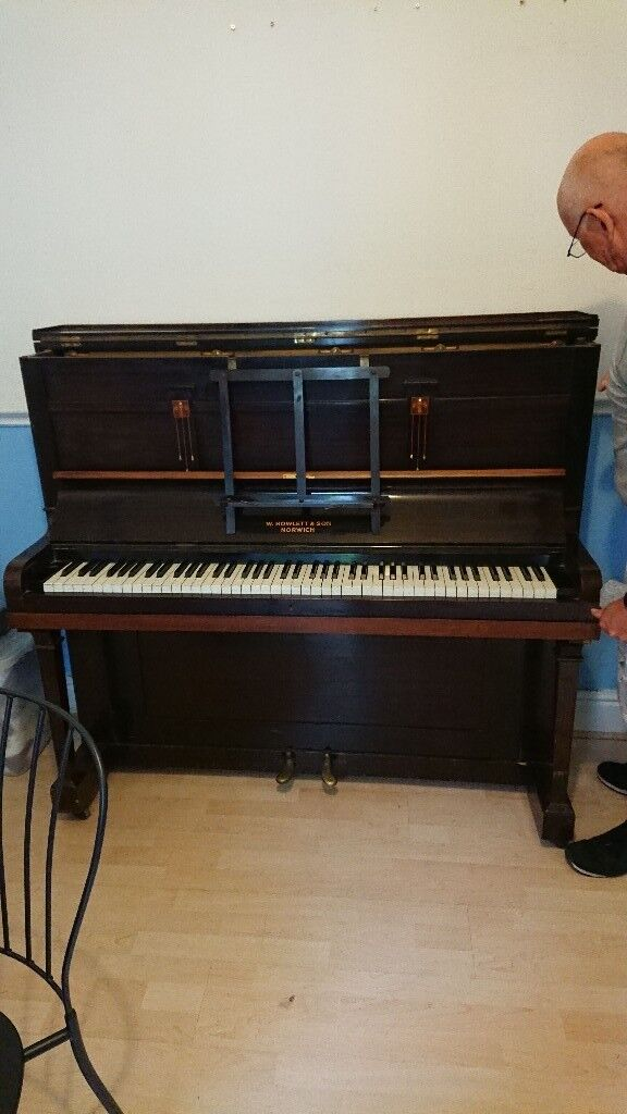 Piano, free, buyer to organise collection. For parts or decoration, not suitable for playing
