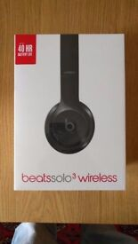 Beats Solo 3 Wireless Headphones - Gloss Black - UNOPENED