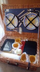 Picnic Basket.Wicker. 4 place settings. unused.Tubs Boxes Thermos