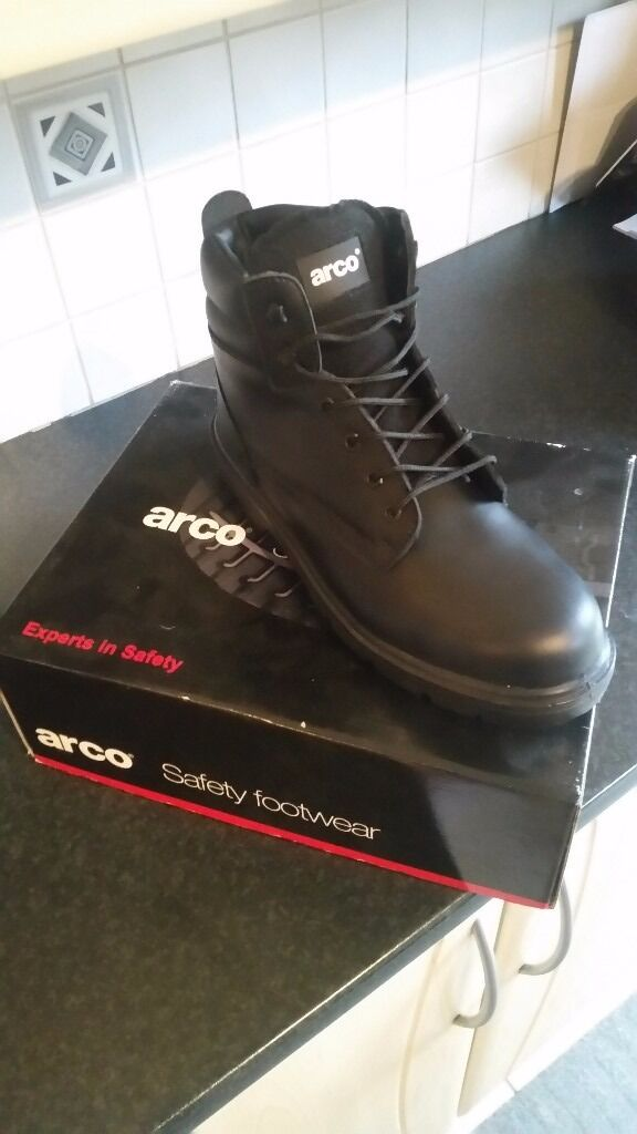 Arco mens safety boots size 11 brand new