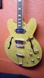 Peerless Songbird Semi acoustic in excellent condition with original hardcase