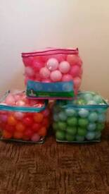 ElC 3 bags of mixed playballs