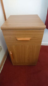 2 x Bedside Cabinet & 1 x Chest Drawers