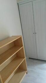 Double room with single bed Uxbridge