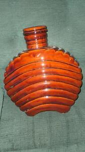 Vase - with lid,