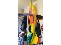Kayak - Pyrahna Machno (L) c/w Peak Airbags (stern pair) Red