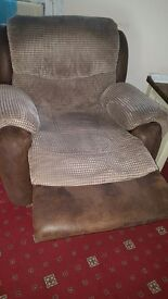 1 manual Recliner chairs