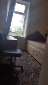 Studio flat to let fully furnished all bills included