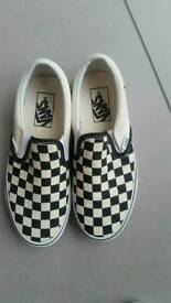 Vans Kids Never Worn Trainers Easy Classic Slip on size 3.5