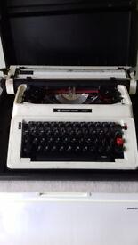 Silver -Reed 500 Typewriter and Case.