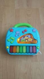 Grow Play 2-in -1 telephone and piano