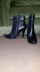 Women's real leather short boots, size 4, EU 37