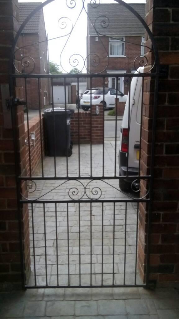 Metal side Gate   in Bentley, South Yorkshire   Gumtree