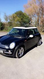 Mini Cooper 1.6 petrol black 2004