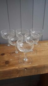 6 Vintage champagne saucers. Beautiful art-deco design.