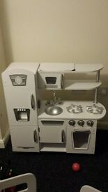 Kidraft kitchen set white retro .. mint condition
