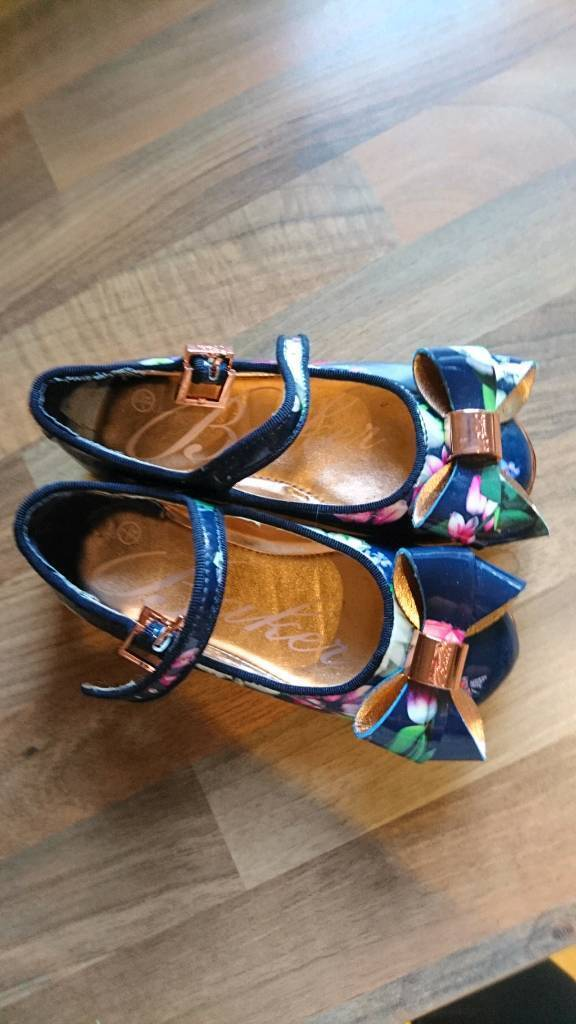bd4a9ca24ae24b Girls Ted Baker shoes and boots