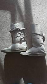 Emu fur boots