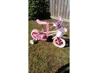 Girl bike with stabilisers
