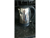 Used BREVILLE CHROME KETTLE in full working order