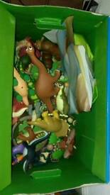Dinosaur and book set