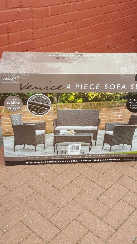 Brand New In Box Venice 4 Piece Rattan Sofa Set For Indoor Or Outdoor