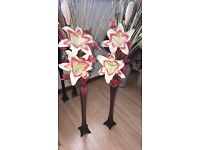 pair of vases with lillies
