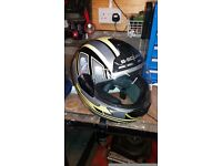 Full face motorcycle helmet