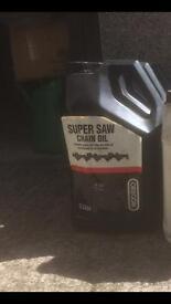 Chain saw chain oil