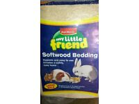 Softwood bedding for small pets. Large bag. New.